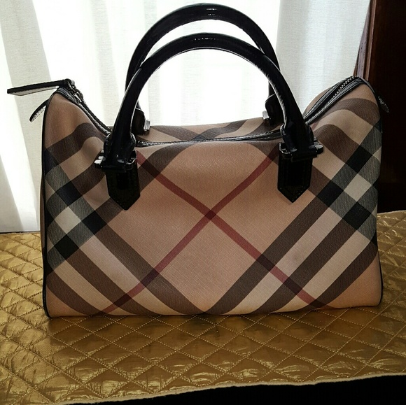 Burberry Handbags - Burberry chester nova boston bag 27aad4d61daeb